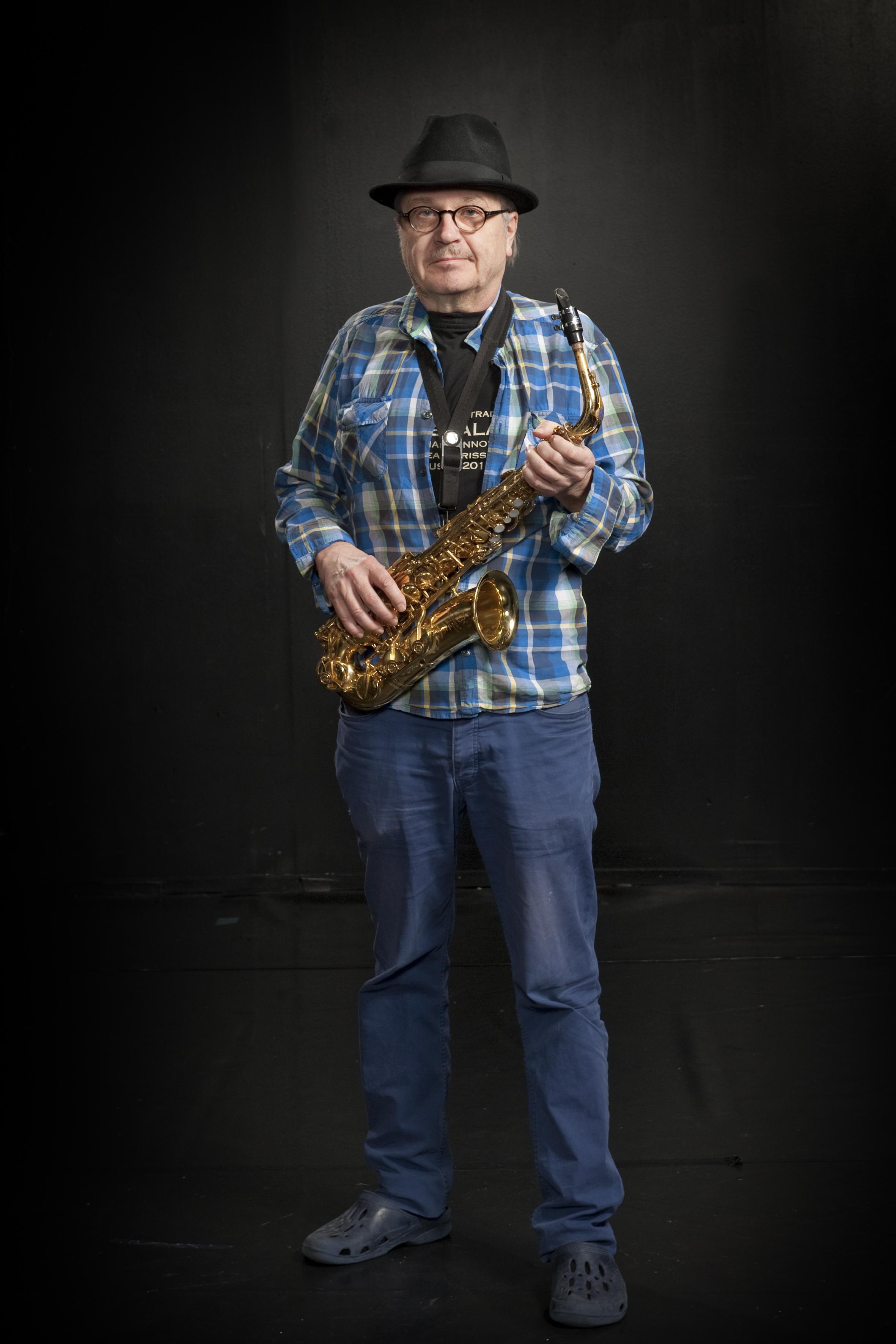Lassi Talasmo : Bändilinjan opettaja: saksofonit, klarinetti