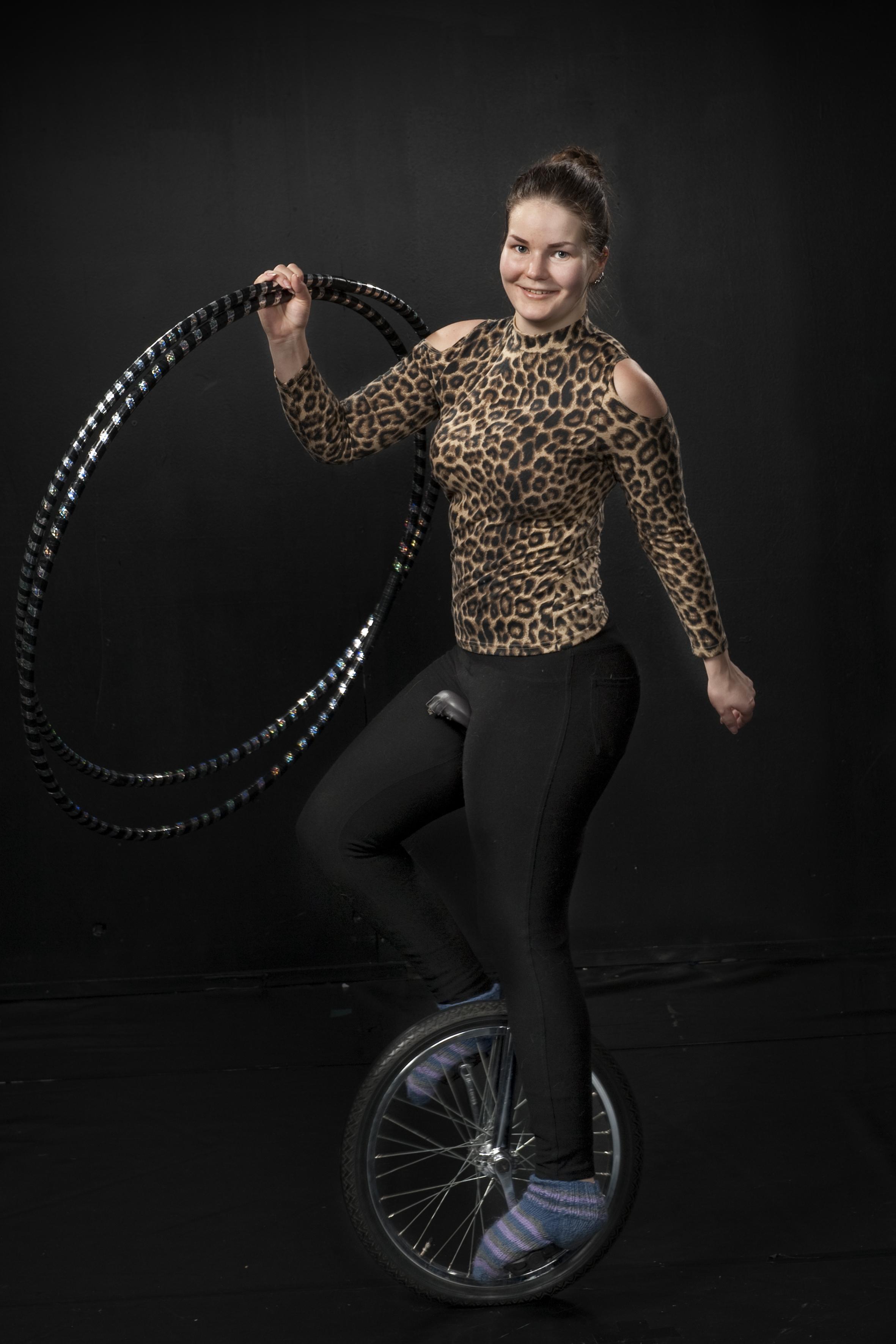 Oona Möller : Sirkuslinjan opettaja