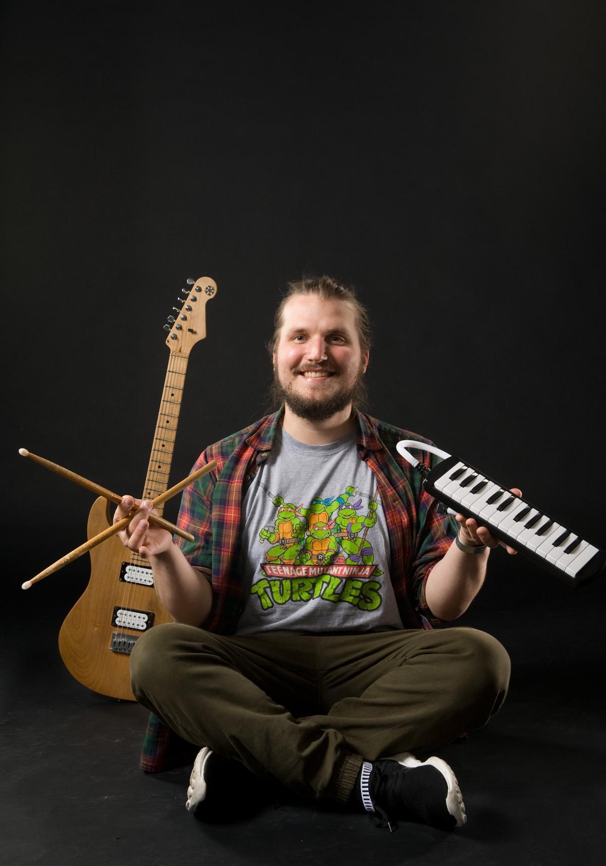 Juho Lätti : Bändilinjan opettaja: bändisoitto